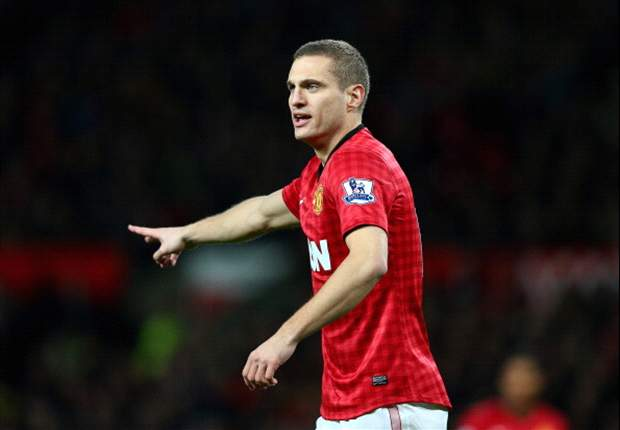 TEAM NEWS: Vidic starts for Manchester United at Swansea