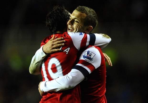 Briljante Cazorla leidt Arsenal langs Reading