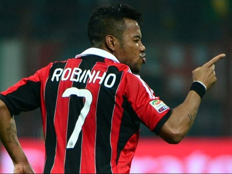 Santos confirm Robinho talks with AC Milan