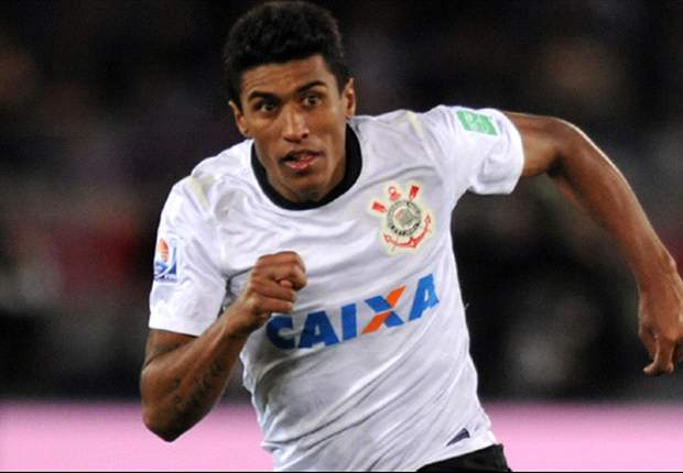 Paulinho anuncia que vai ficar no Corinthians