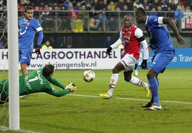 Tekuk AZ, Twente Pimpin Eredivisie