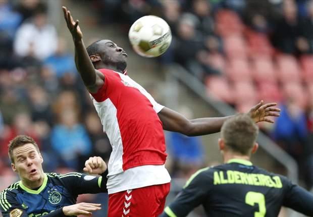 Ajax morst punten in boeiend gevecht