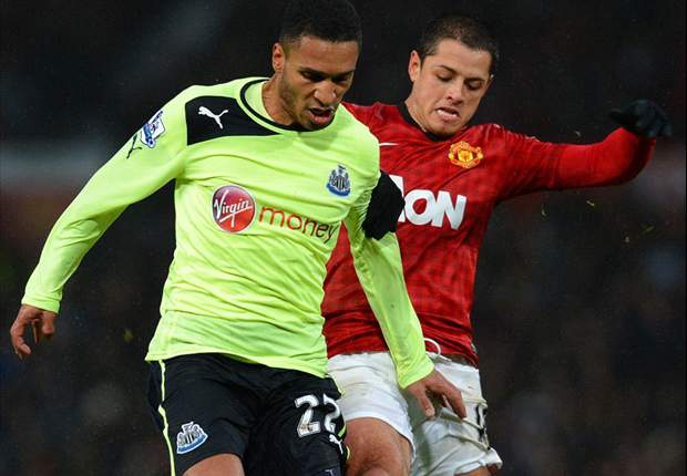 Manchester United 4-3 Newcastle United: Chicharito snatches last-gasp winner to settle seven-goal classic