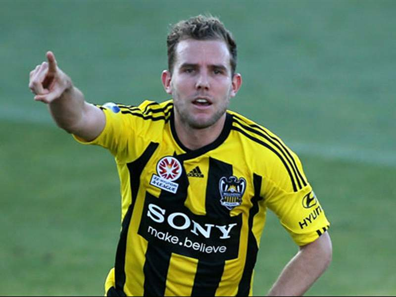 Phoenix striker Brockie answers Toronto's loan call