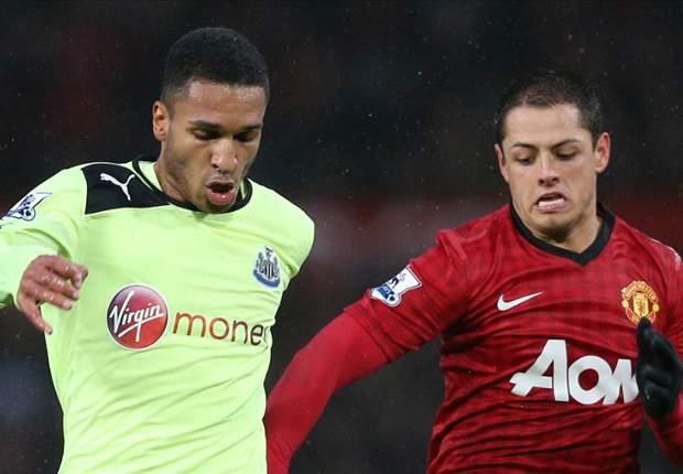 Manchester United reconoce los 100 partidos de Chicharito