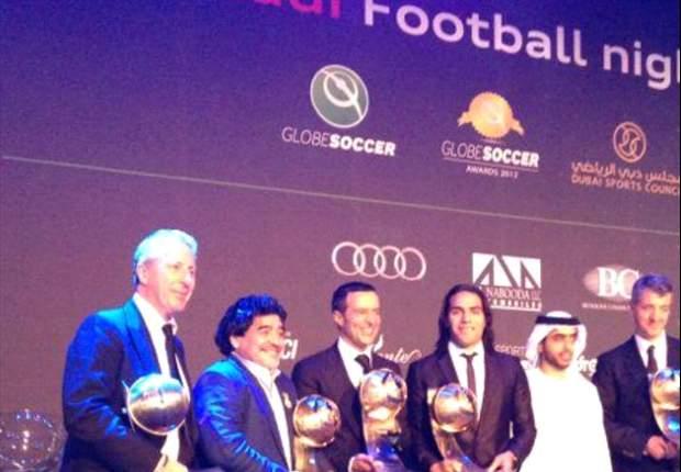 Falcao comemora seleção para o time ideal da FIFA