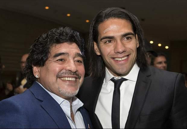 Maradona fue elegido el mejor jugador de la historia en los Globe Soccer Awards