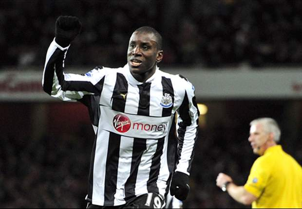 Newcastle boss Pardew criticises representatives of Demba Ba