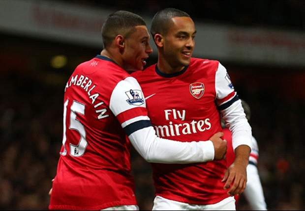 Oxlade-Chamberlain hoping 'good mate' Walcott signs new Arsenal deal