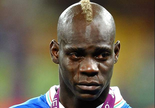Balotelli will remain at Manchester City, claims agent