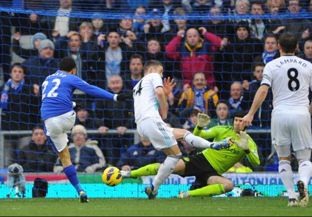 Steven Pienaar versus Chelsea