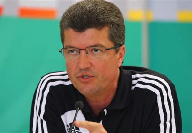 Herbert Fandel: Keine Profi-Schiedsrichter in Deutschland