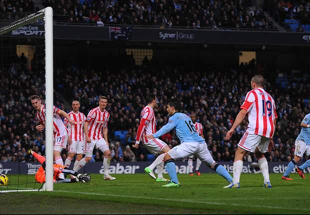 Zabaleta y Agüero guían al Manchester City ante el Stoke, para arrancar 2013 con una nueva alegría