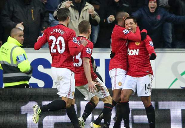 Premier League Team of the Week: Manchester United striking pair Van Persie & Hernandez star