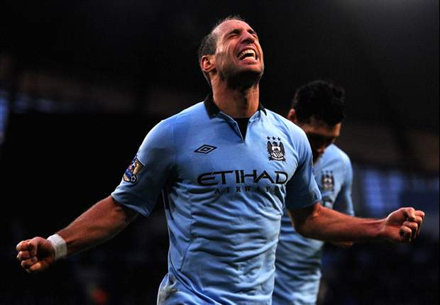 Under-pressure Manchester City must win every game, insists Zabaleta