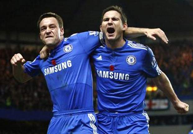 Benitez: Lampard's team-mates must remain professional regarding his Blues future