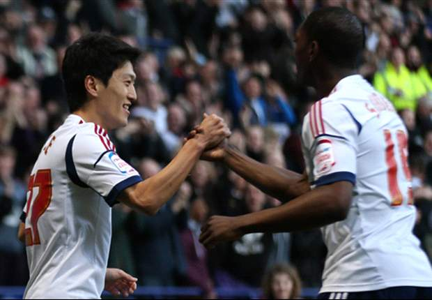 Bolton helping striker Sordell with Twitter 'obsession'