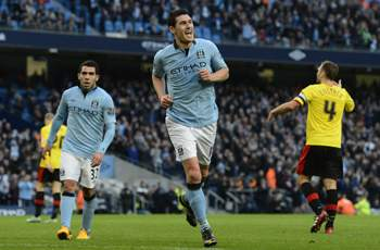 Barry set for new Manchester City deal, suggests Mancini