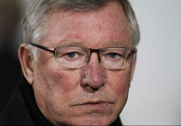 Old Trafford pitch a worry for Manchester United, admits Sir Alex Ferguson