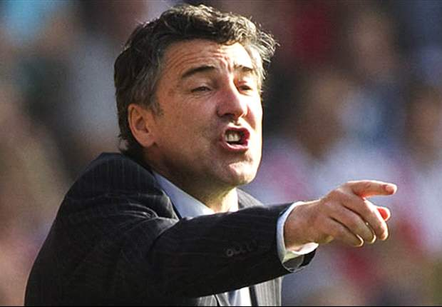 Dean Saunders sacked as Wolves manager