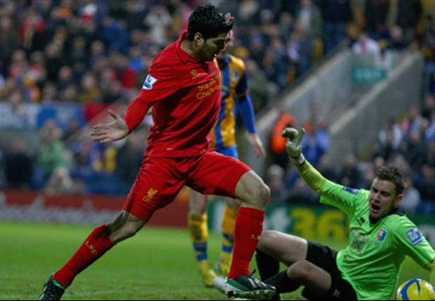 Mansfield ziet Suarez niet als valsspeler