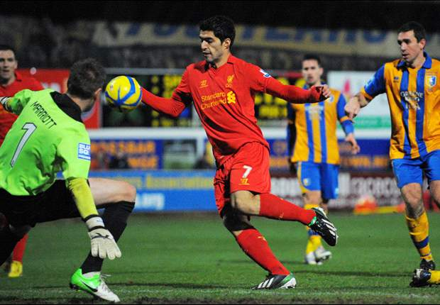 'He is a wonderful professional' - Rodgers hails Suarez after handball controversy