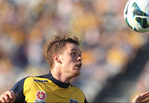 McGlinchey signs new deal at Central Coast Mariners