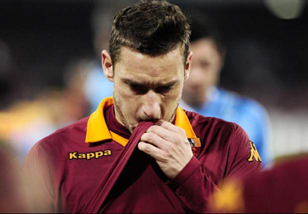 Niente Coppa Italia per Totti: elongazione al retto femorale per il capitano giallorosso. A rischio anche la sfida contro l'Inter in campionato