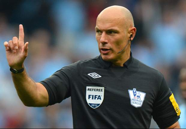 Howard Webb to referee Manchester United v Chelsea