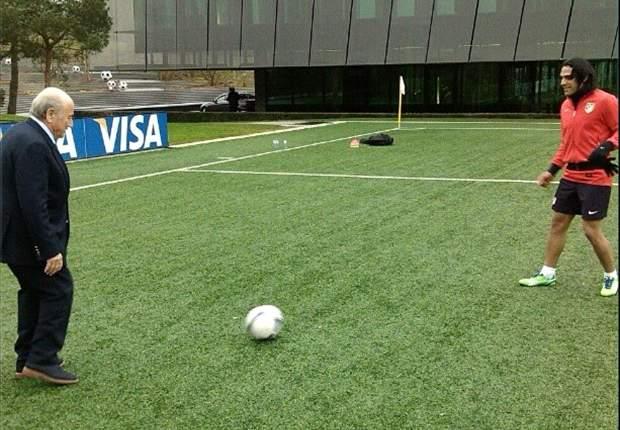 Falcao en el Dream Team 2012 de la FIFA