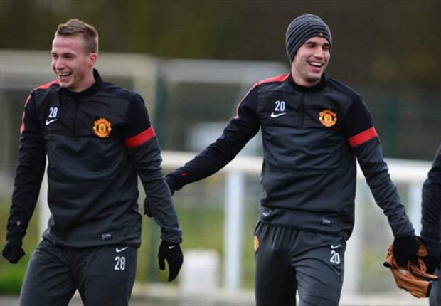 Arsène Wenger diz que Van Persie vai levar o United ao título