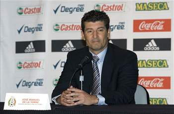 Eric Gomez: Chepo's stubborness leads Mexico to stinker at Azteca