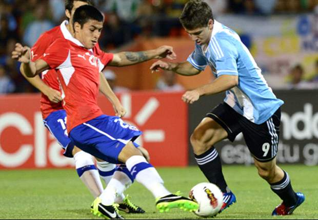 Argentina pisó en falso en el debut