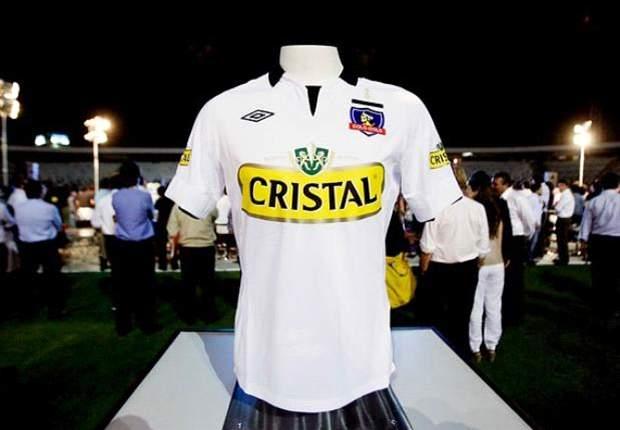 Colo Colo se inspira en el Manchester City para su camiseta 2013