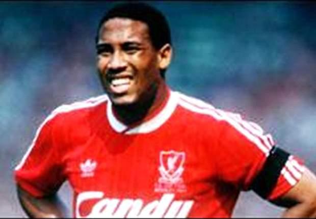 John Barnes: Empat Besar Terbuka Untuk Liverpool