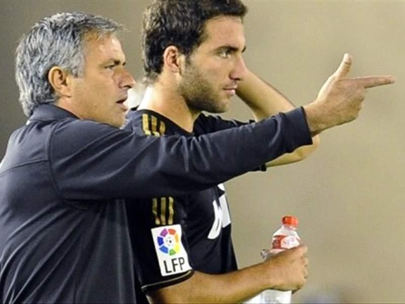 イグアイン:「モウリーニョが僕を求めている」