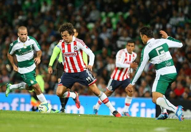 Santos Laguna 2-0 Chivas: Oribe Peralta se viste de héroe ante el Rebaño de Benjamín Galindo