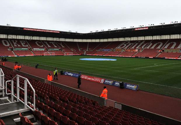 Stoke need fans' encouragement to end torrid run, insists chairman