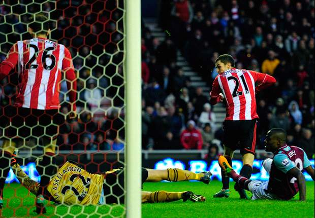 Sunderland 3-0 West Ham: Larsson stunner caps perfect day for Black Cats