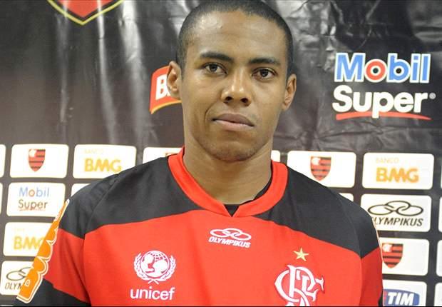 Apresentado no Fla, Elias admite sonho em voltar à Seleção Brasileira