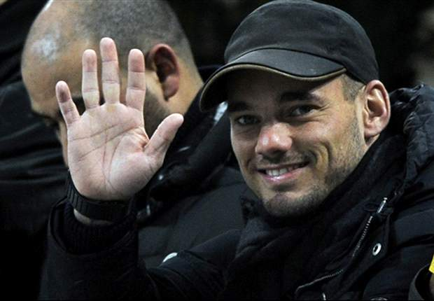 Galatasaray urge Sneijder to make decision as fans' group claims deal is in the offing
