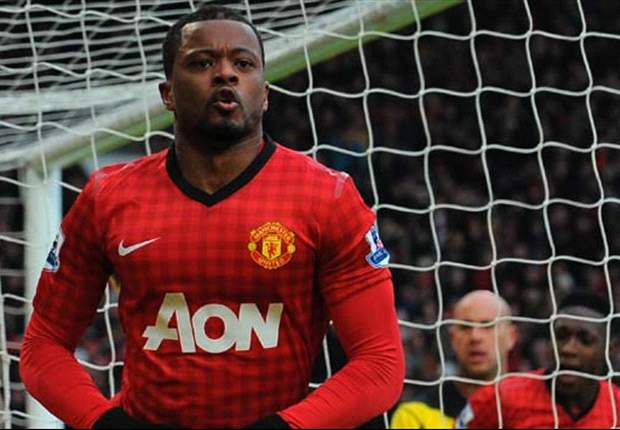 Manchester United to offer Evra one-year contract extension