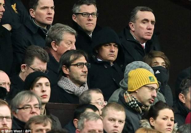 José Mourinho se encuentra en Old Trafford para ver el United-Everton