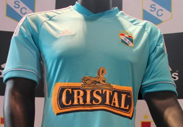 Sporting Cristal presentó su nueva camiseta para 2013