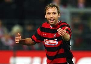 Andreas Hinkel kommt auf zwei Deutschland-Einsätze als Rechtsverteidiger (insgesamt 22 Spiele).