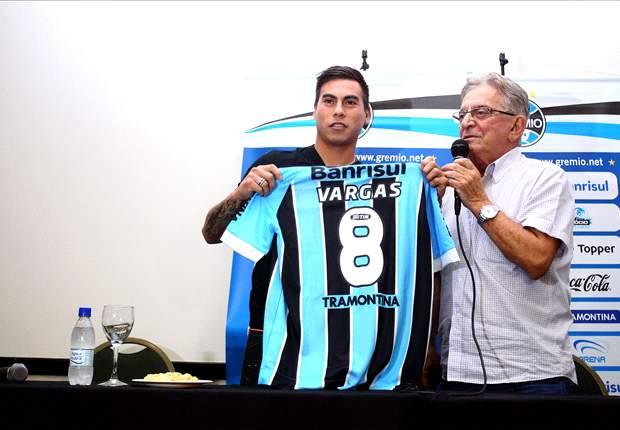 Eduargo Vargas espera recuperar la forma en el Gremio tras su paso por el Napoli