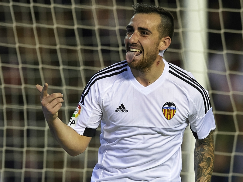 Barcelona agrees to terms with Alcacer but deal not done