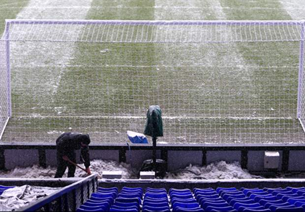 Tottenham v Manchester United passes pitch inspection