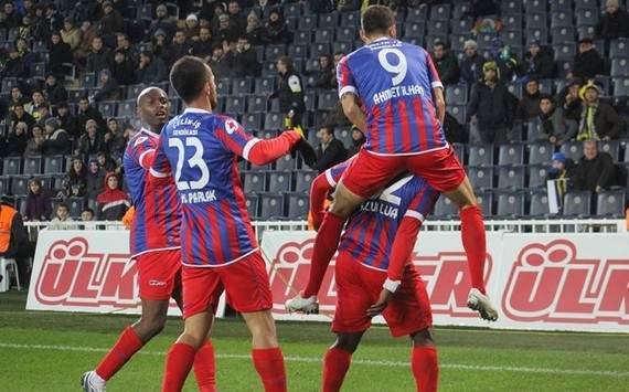 STSL: Karabüksporlu oyuncuların gol sevinci