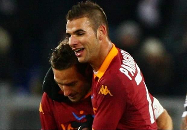 Zdenek Zeman & Francesco Totti Lindungi Panagiotis Tachtsidis